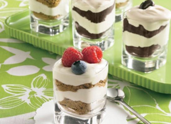 Cheesecake Shot-Glass Desserts (dessert) | looks good! | Pinterest