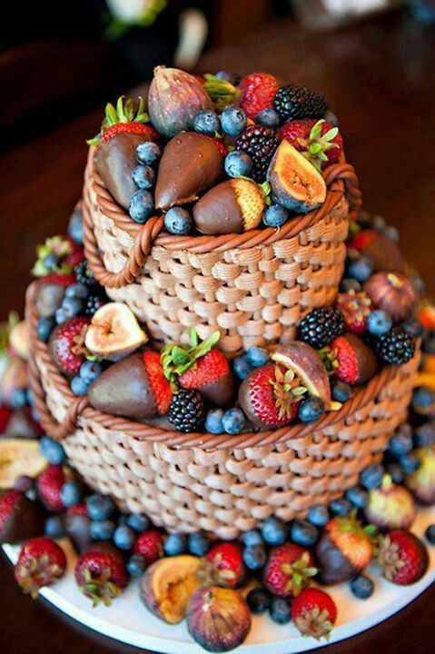 basket cake with strawberries! A twist on an old idea! No recipe, but I think I could make this :) So pretty, you could do fall decorations too.