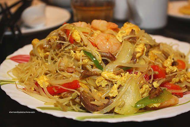 Singapore Fried Noodles | Yummoodles | Pinterest