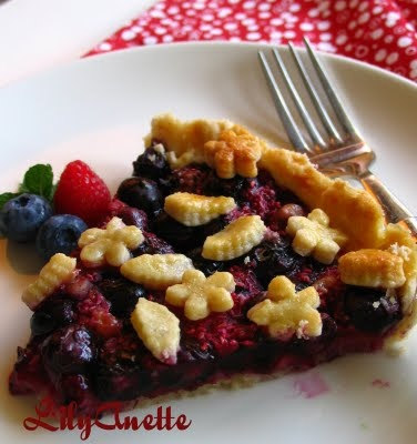 Raspberry Blueberry Walnut Pie | Desserts | Pinterest