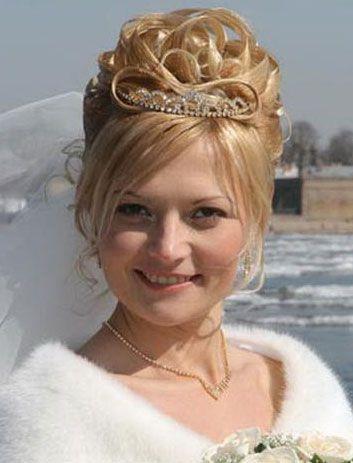 Прически на свадьбу на короткие волосы для свидетельницы