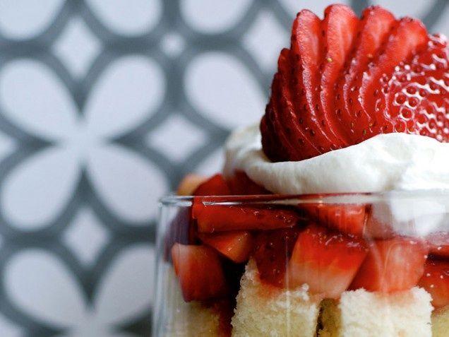 Lemon Pound Cake Parfait | Delicious! | Pinterest