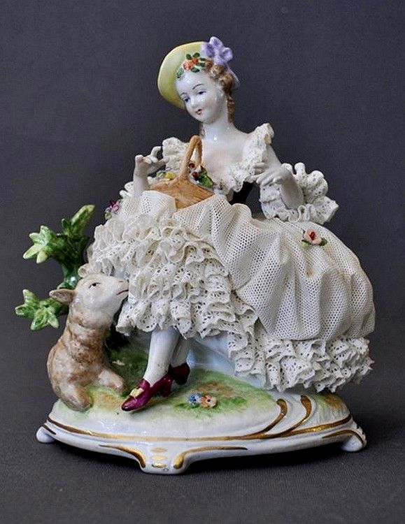 Unterwei?bach Porcelain Manufactory (Thuringia, Germany) — Lady and sheep group. In the Dresden manner. H:17 cm  (579x750)
