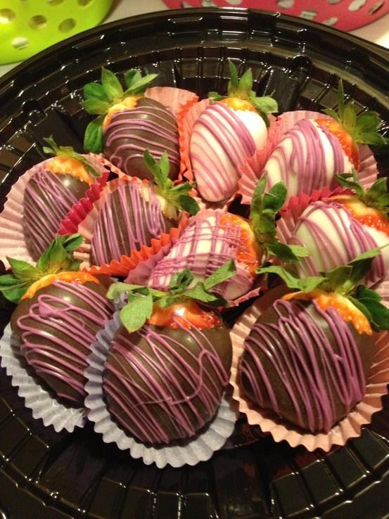 Dark & White Chocolate Strawberries | Miss Birdsong's Sweet Tooth | P...