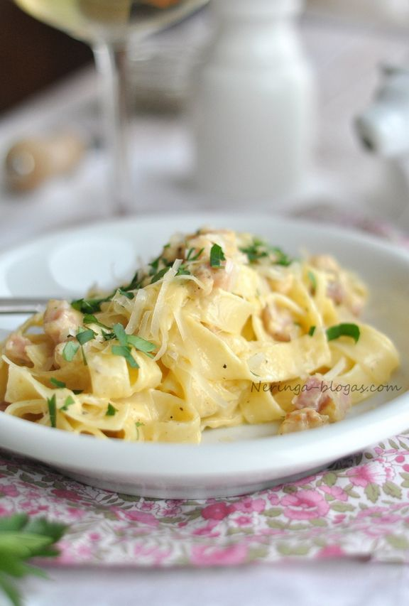 ... summer tagliatelle with parsley and pine nuts tagliatelle with basil