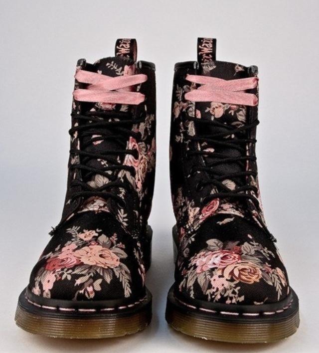 Pastel goth flower boots