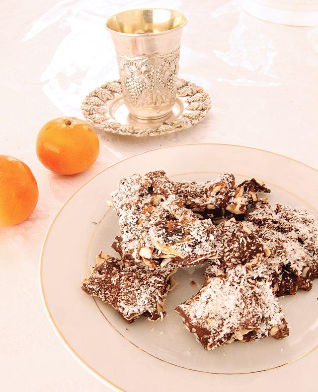 Chocolate Almond Matzo Bark! [ ItsMyMitzvah.com ] #food #celebrate # ...
