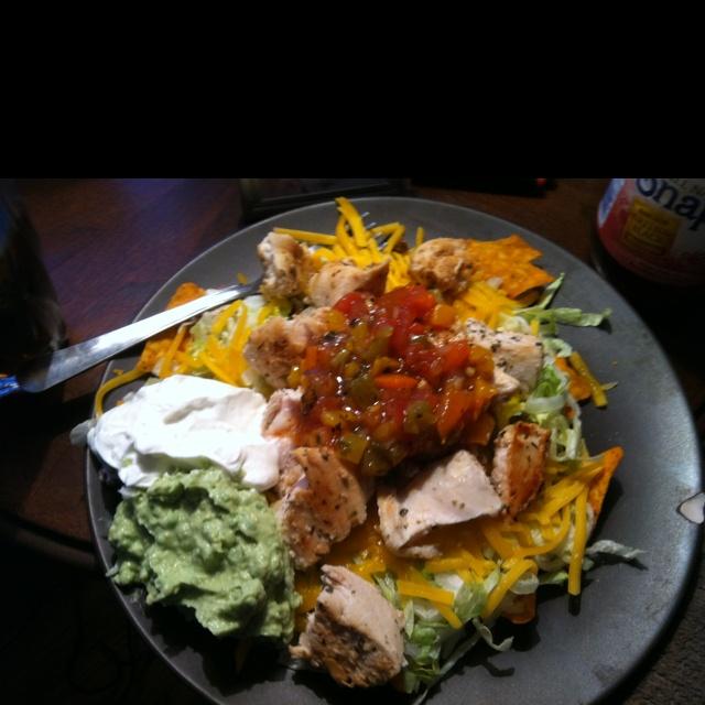 Grilled Chicken tostada | Cooking (Main Dish) | Pinterest
