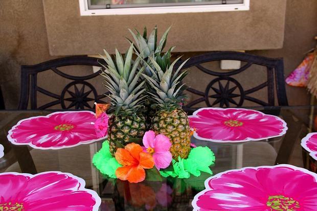 Luau pineapple centerpiece party time pinterest