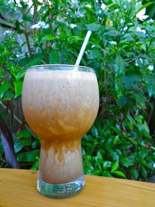 Almond, Date And Vanilla Smoothie Recipe — Dishmaps