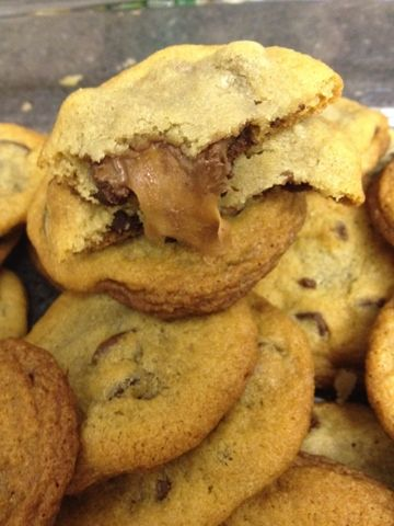 rolo stuffed chocolate chip cookies | Cookies, bars and brownies | Pi ...
