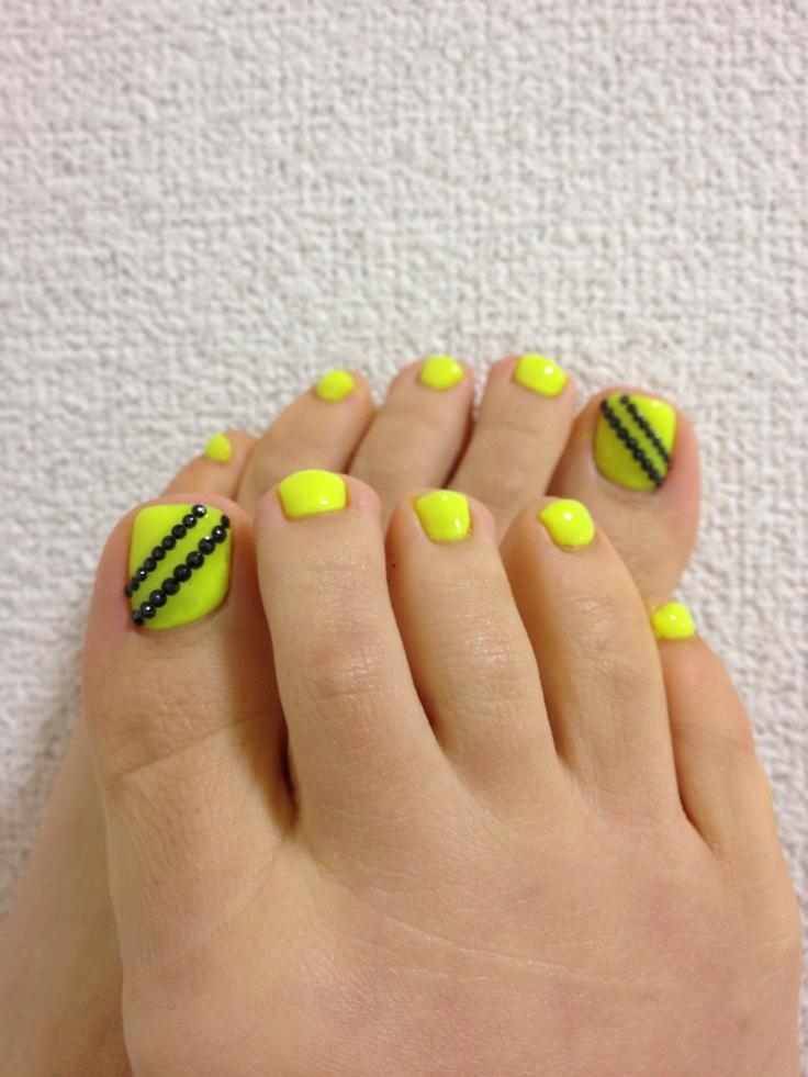 Nail Designs Neon Yellow: Neon yellow summer nail design nails. Neon ...