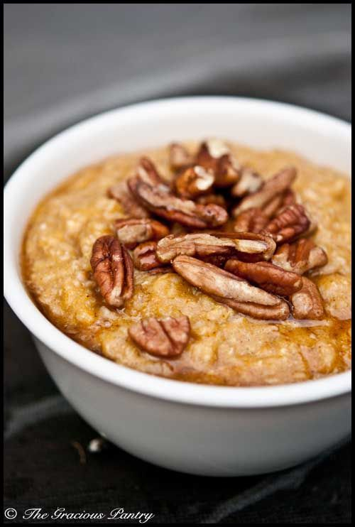 warm Pumpkin Pie Oatmeal , a yummy cold morning  meal that actually contains pumpkin puree  #breakfast #warmcereal #pumpkinpie #thanksgiving