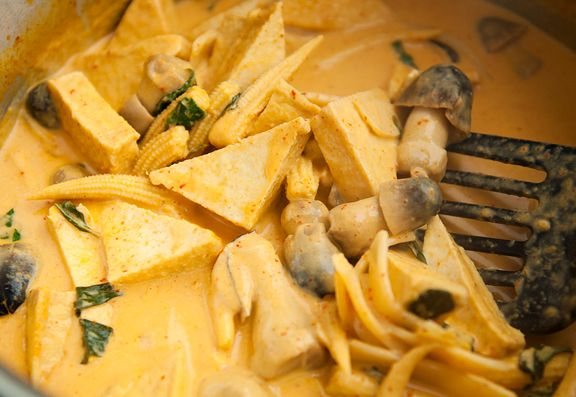 thai red curry with tofu and basil recipe. I'm looking for the perfect ...