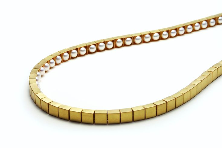 Etsuko Sonobe  Necklace  18-karat gold, pearls  http://etsukosonobe.com