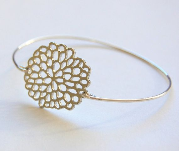 Chrysanthimum Bangle Bracelet, Silver Bangle, Bridesmaid gift, wedding Jewelry, Maid of honor gift, stackable Bracelet, layered