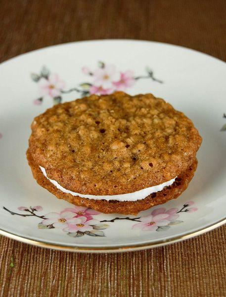 Oatmeal Creme Pies | YUM | Pinterest