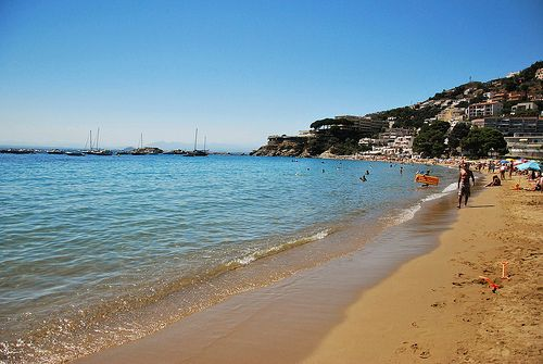 Beachside Costa Brava | RentTheSun
