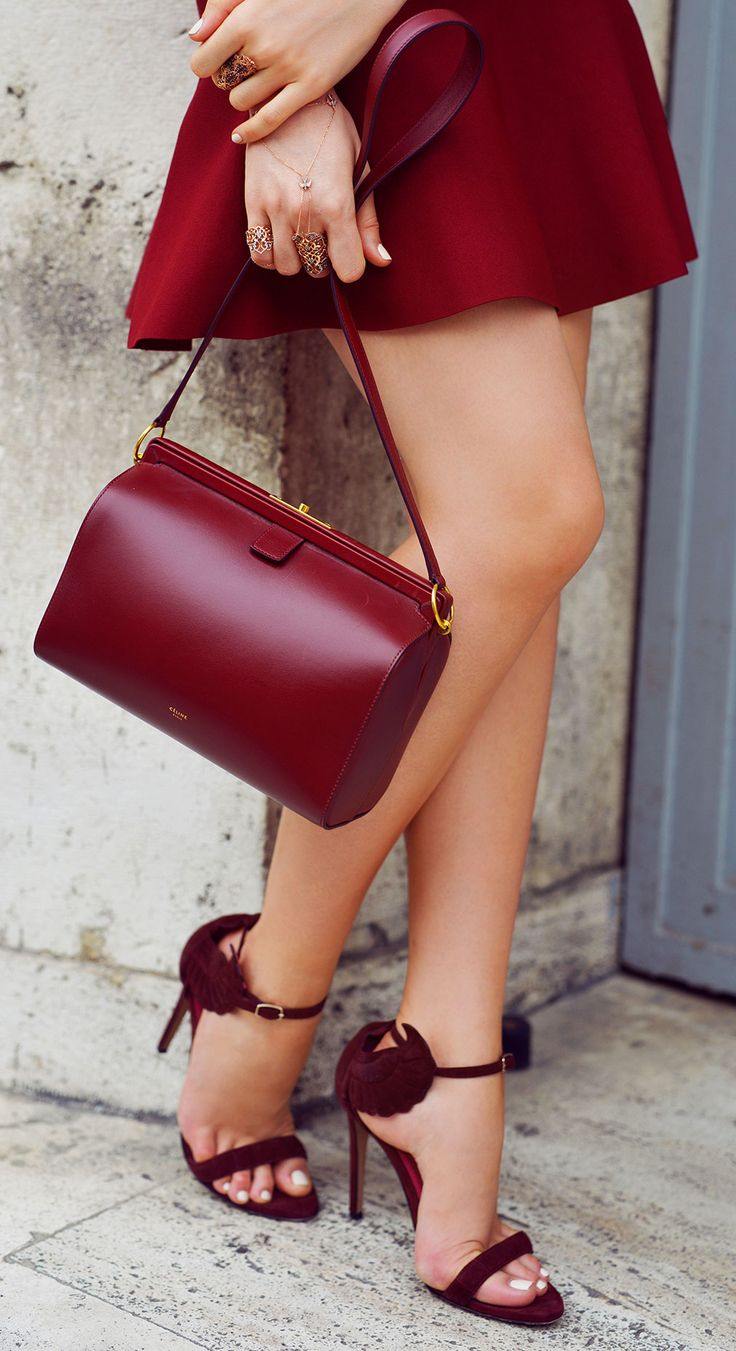 Claret red high-heels+bag+mini skirt