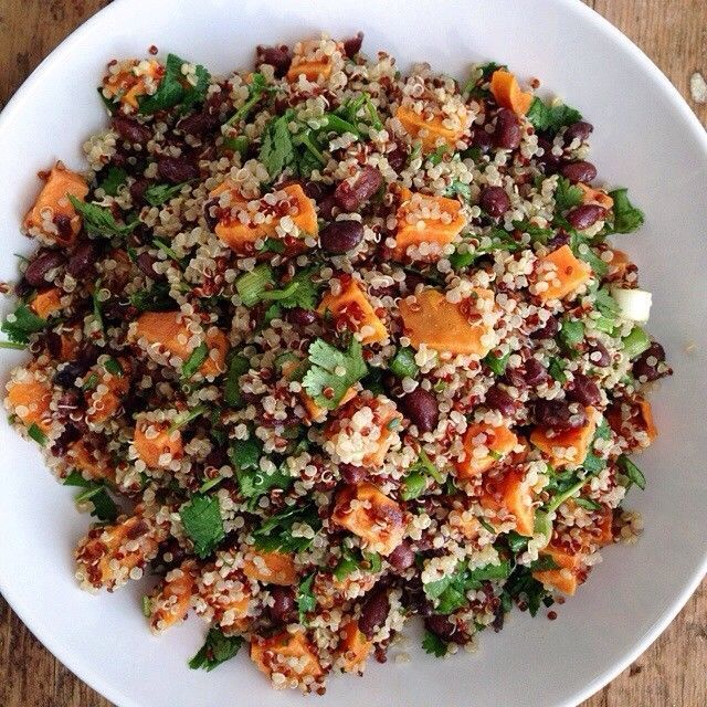 Sweet Potato and Black Bean Quinoa Salad | I would eat that! | Pinter ...