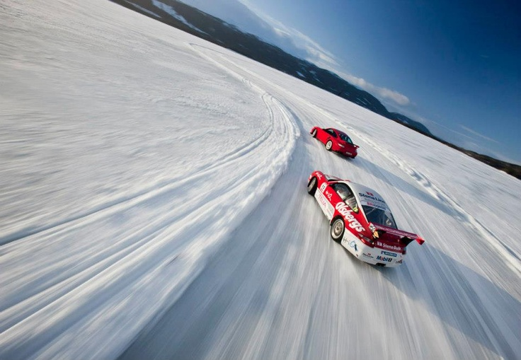 Porsche GT2 RS and Porsche GT3 Cup playing in the snow!!