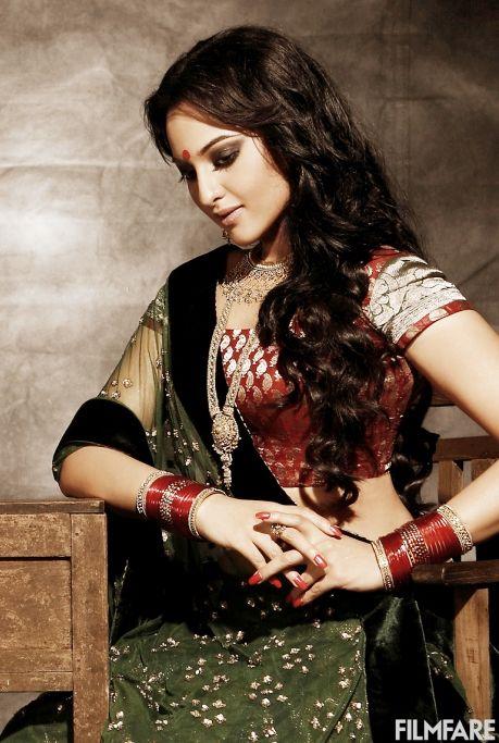 Sonakshi Sinha with gorgeous makeup