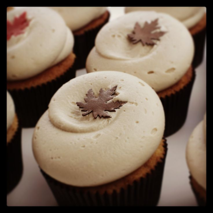 Cupcake Pumpkin Spice cupcakes with Maple Cream Cheese Frosting ...