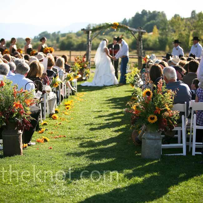 Backyard Western Wedding Ideas : Western wedding idea  RusticWestern wedding theme  Pinterest