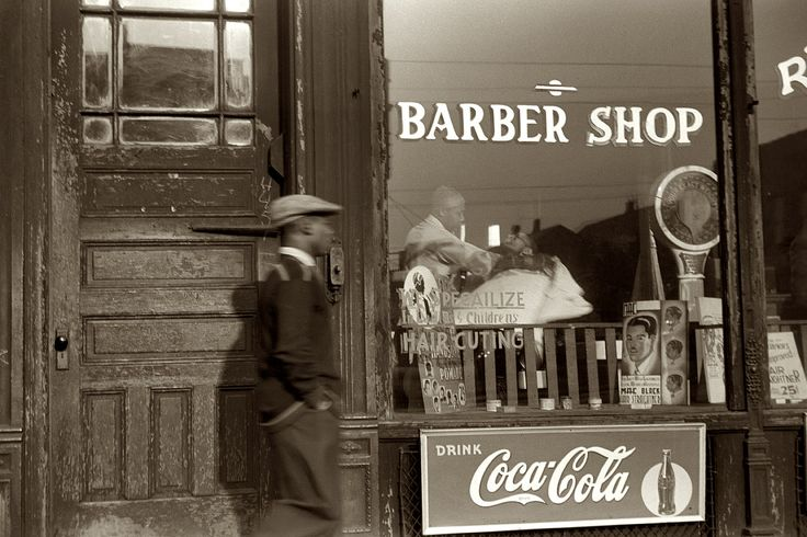 Barber Shop Chicago : April 1941. South Side Chicago.