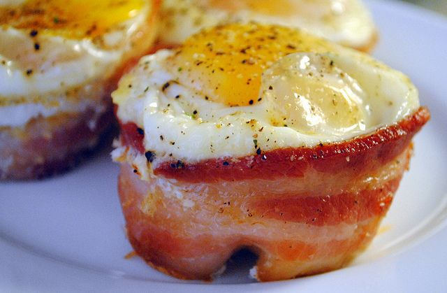 Bacon, Egg and Toast Cups | The Way To A Man's | Pinterest