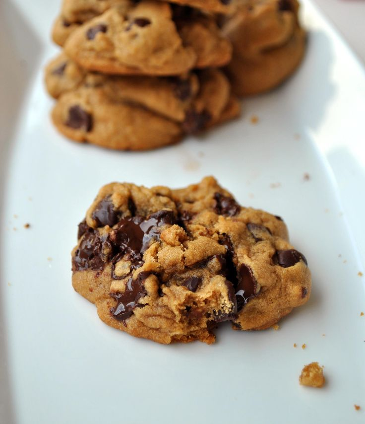 Thick and Chewy Chocolate Chip Cookies | Food - Cookies & Biscuits ...