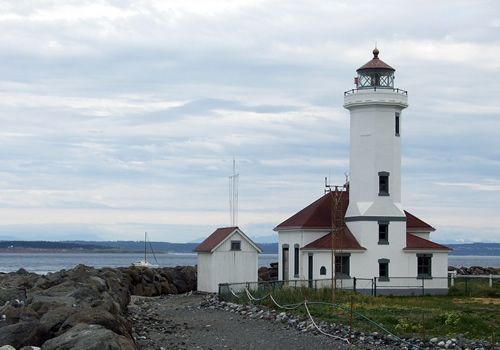 The point wilson light was built in 1913 by the united for What state has the most lighthouses