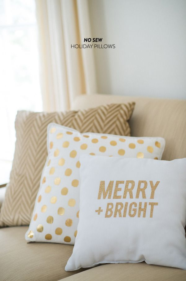 Christmas Throw Pillows Diy : DIY Holiday Throw Pillows