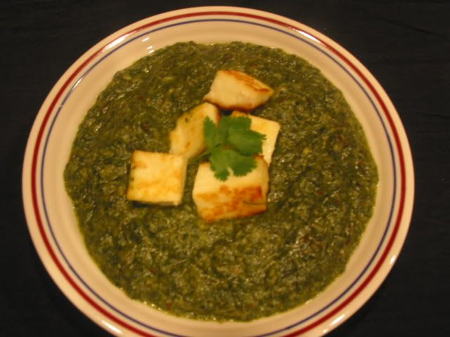 Palak Paneer( Indian Cottage Cheese In Spinach Curry )