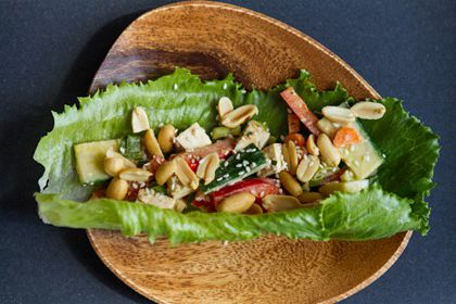 Spicy tofu lettuce wraps with peanut lime sauce | HellaWella