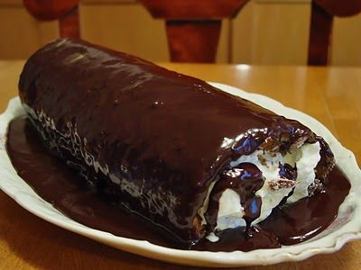 ... Roll Cake with Chocolate Ganache Icing...Oh yum, it looks like a giant