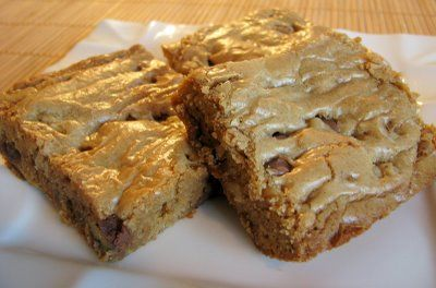 Chocolate Chip and Walnut Blondies | Recipes - Sweets | Pinterest