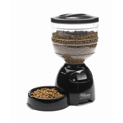 Petmate Le Bistro Programmable Feeder shows how it works for