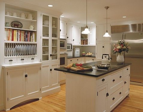Classic colonial kitchen from Kitchen Views' custom portfolio. #kitchens