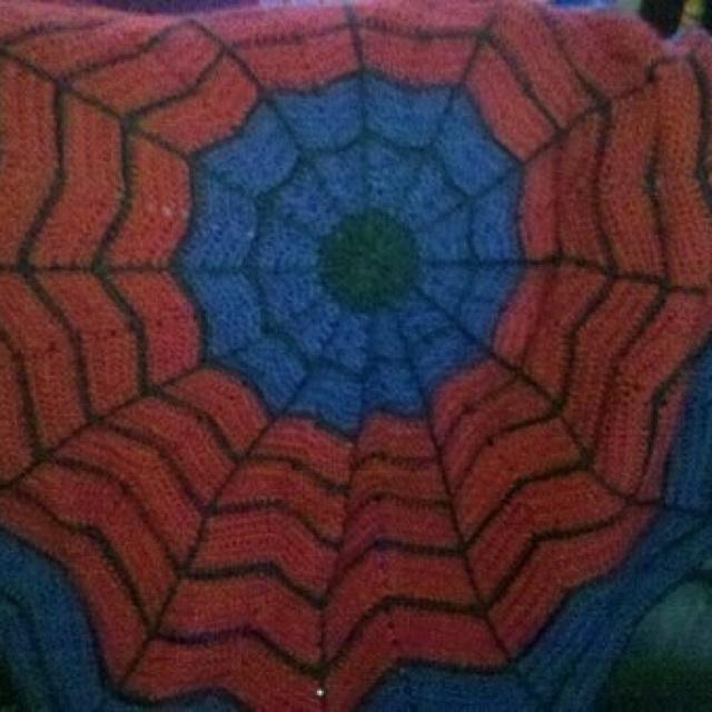 Crochet Pattern For Spiderman Blanket : Spiderman crochet round ripple toddler blanket