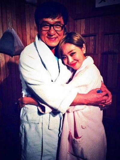 8dd5d6e71f6d70034e33c8652ca6cb02 Jackie Chan and Brown Eyed Girls Narsha get comfortable and revealed he dated a Korean girl for 8 years