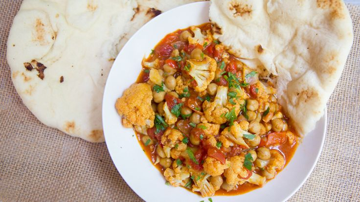 Weeknight Cauliflower and Chickpea Curry | Recipes to try | Pinterest