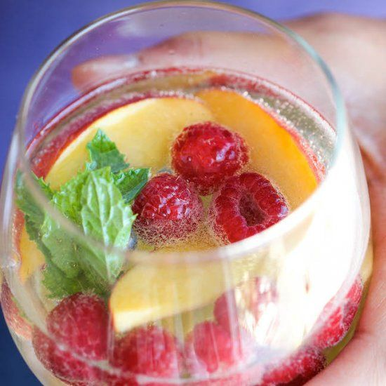 THE BEST white sangria ever!