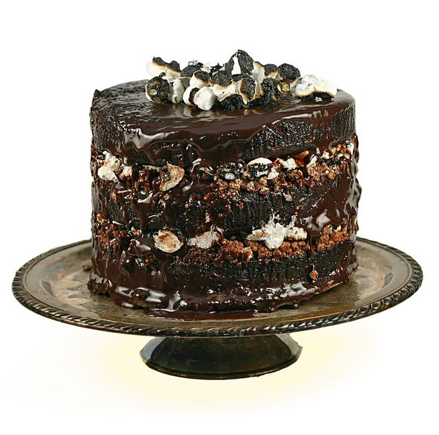 CHOCOLATE MALT MARSHMALLOW CAKE..what's not to love about a cake ...