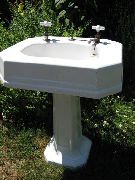 1920 Pedestal Sink : 1920 Art Deco cast iron pedestal sink