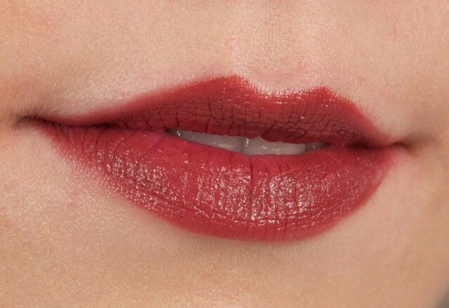 Bobbi Brown Raisin Lipstick image