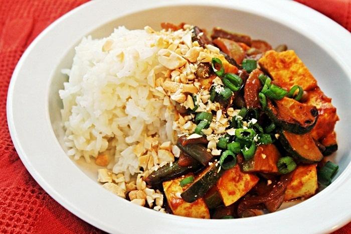 coconut peanut curry tofu | yum | Pinterest