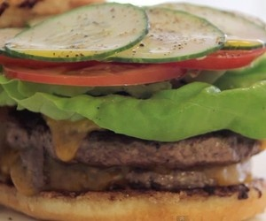 How to make the perfect cheeseburger. | Edibles | Pinterest