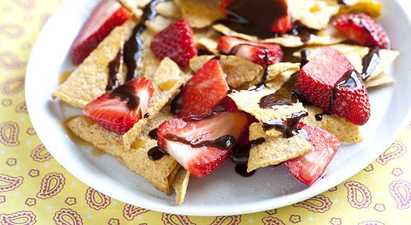 Strawberry Chocolate Nachos - Just in time for Cinco De May, here's a ...
