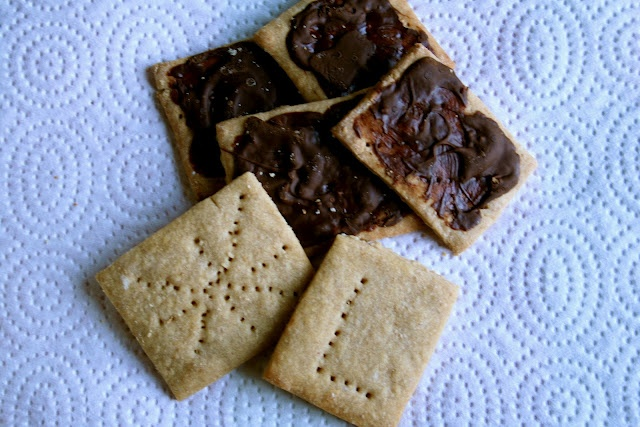 My Kitschy Kitchen: Graham Wafer Cookies